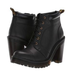 🆕️ Dr. Martens Black Fashion Boots